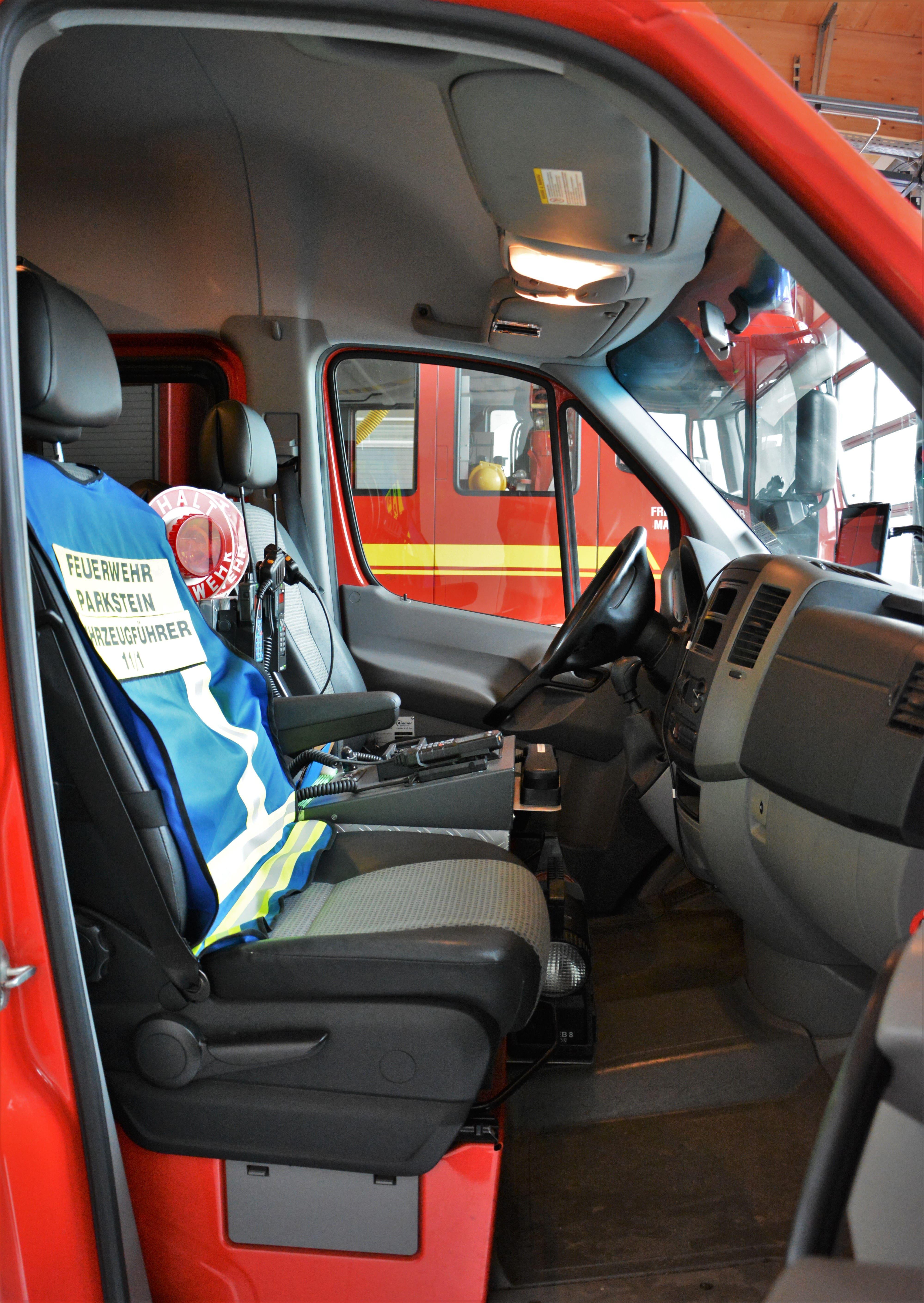 11_1_Fahrersitz_bearbeitet-min